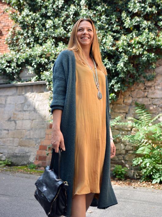 Kleid für den Herbst mit Strickjacke