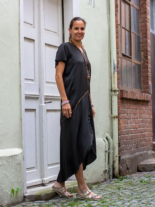 Elegantes Seidenkleid von Rabens Saloner im tragbar Esslingen