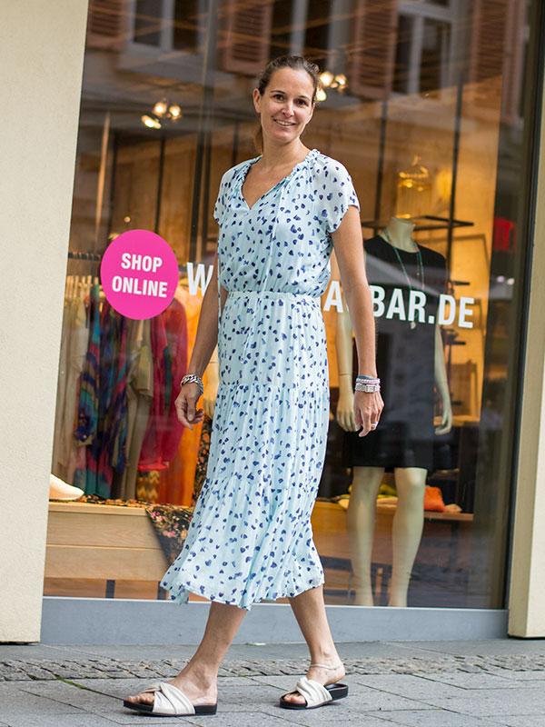 Feminines Sommerkleid von Bella Dahl im tragbar pure in Esslingen